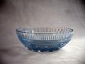 プレスガラス中鉢 淡いブルーのカット美しく涼しげ g-109