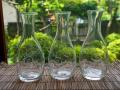 昭和レトロ ガラスの徳利3本 グラビュール草花文 g-136