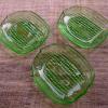 プレスガラス瓜形豆皿3客 涼感誘うグリーン g-143