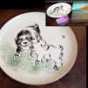 深川製磁 昭和57年戌年 飾皿 未使用保管品 専用皿立付 t-1101