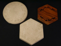 煎茶道具 涼炉台 白泥2点 木彫1点 丸形六角形 s-636