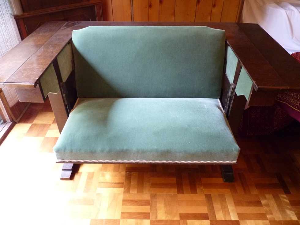 settee-table